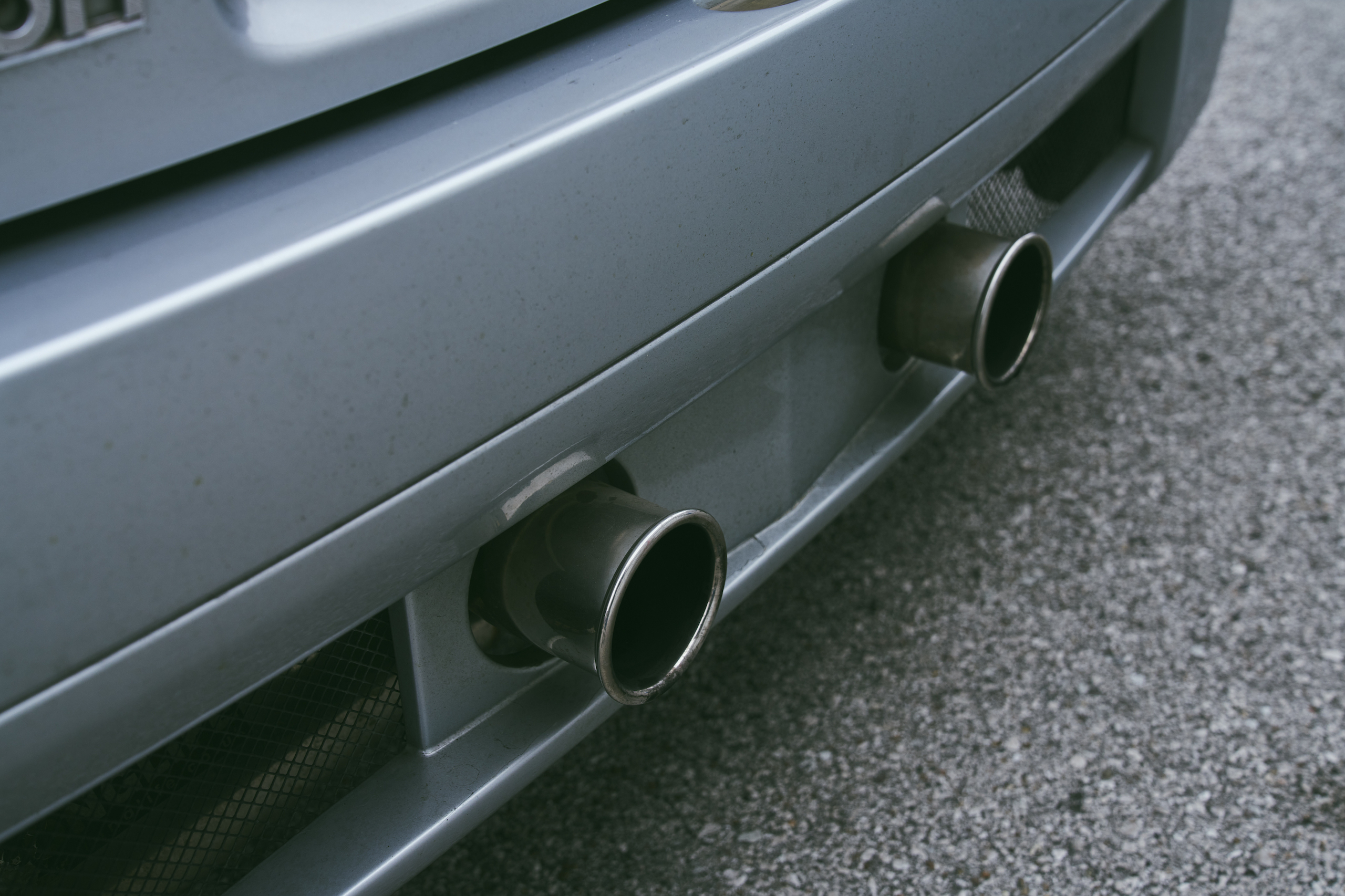 2002 Renault Clio V6 rear tailpipe detail