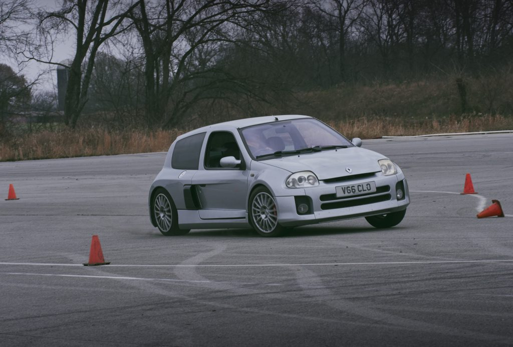 2002 Renault Clio V6 front three-quarter track action