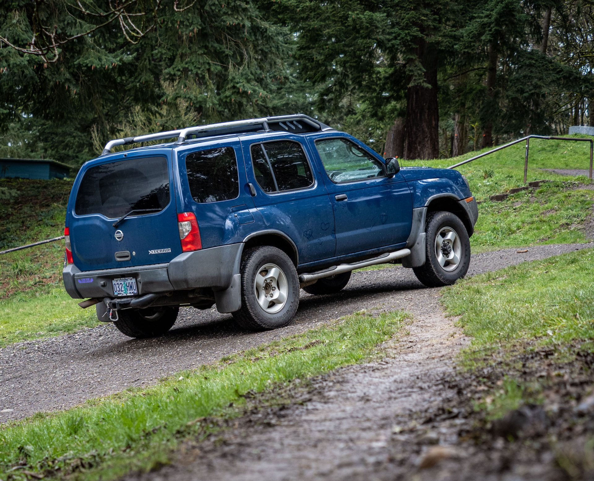 2003 Nissan Xterra rear three-quarter