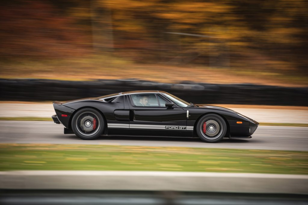 2006 Ford GT side profile action