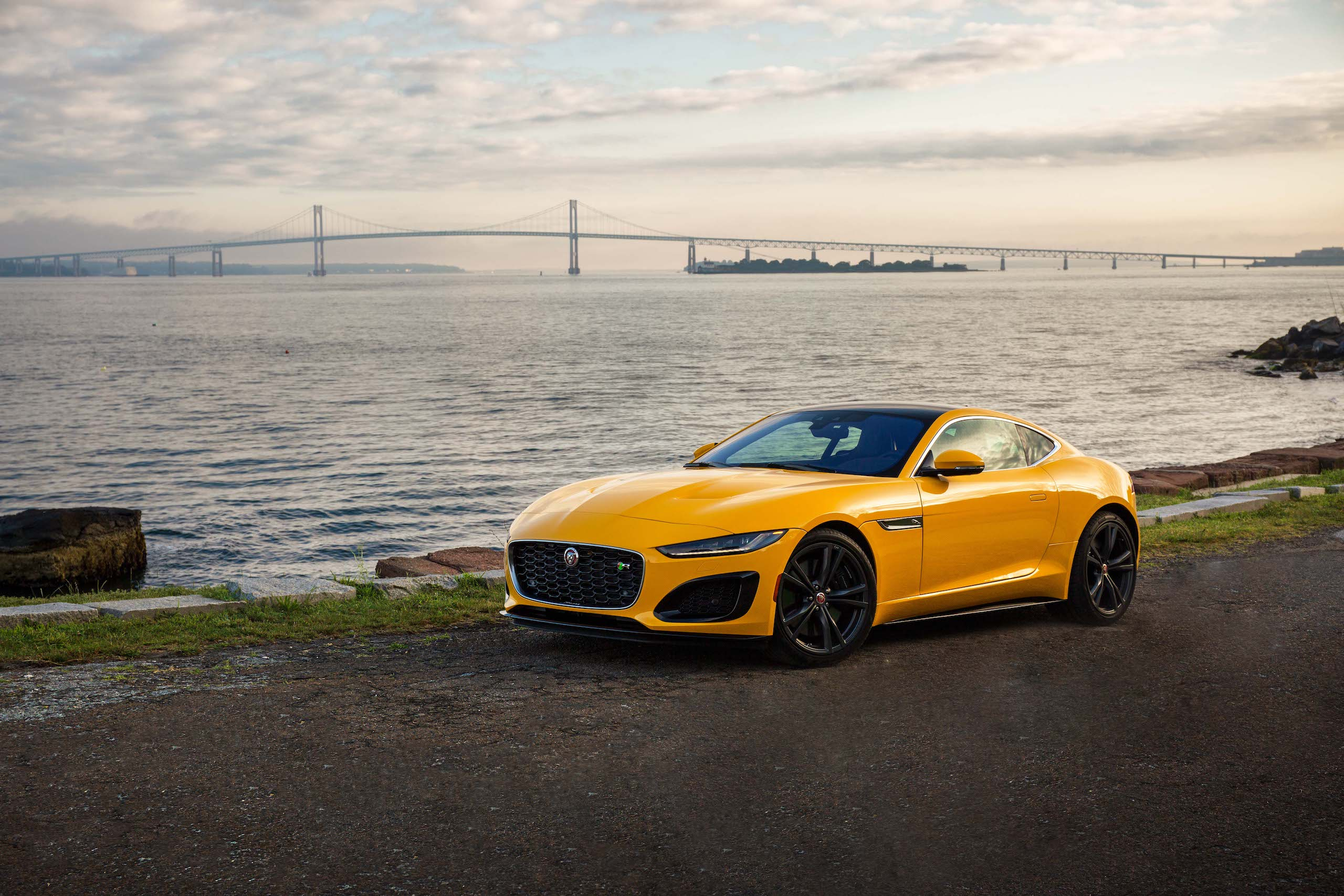 2021 Jaguar F-TYPE_R Coupe front three-quarter