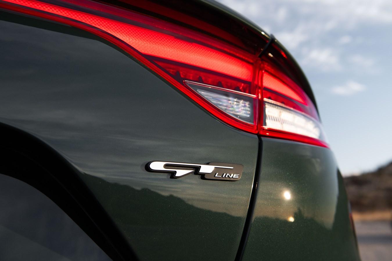 2022 Stinger GT-Line badge