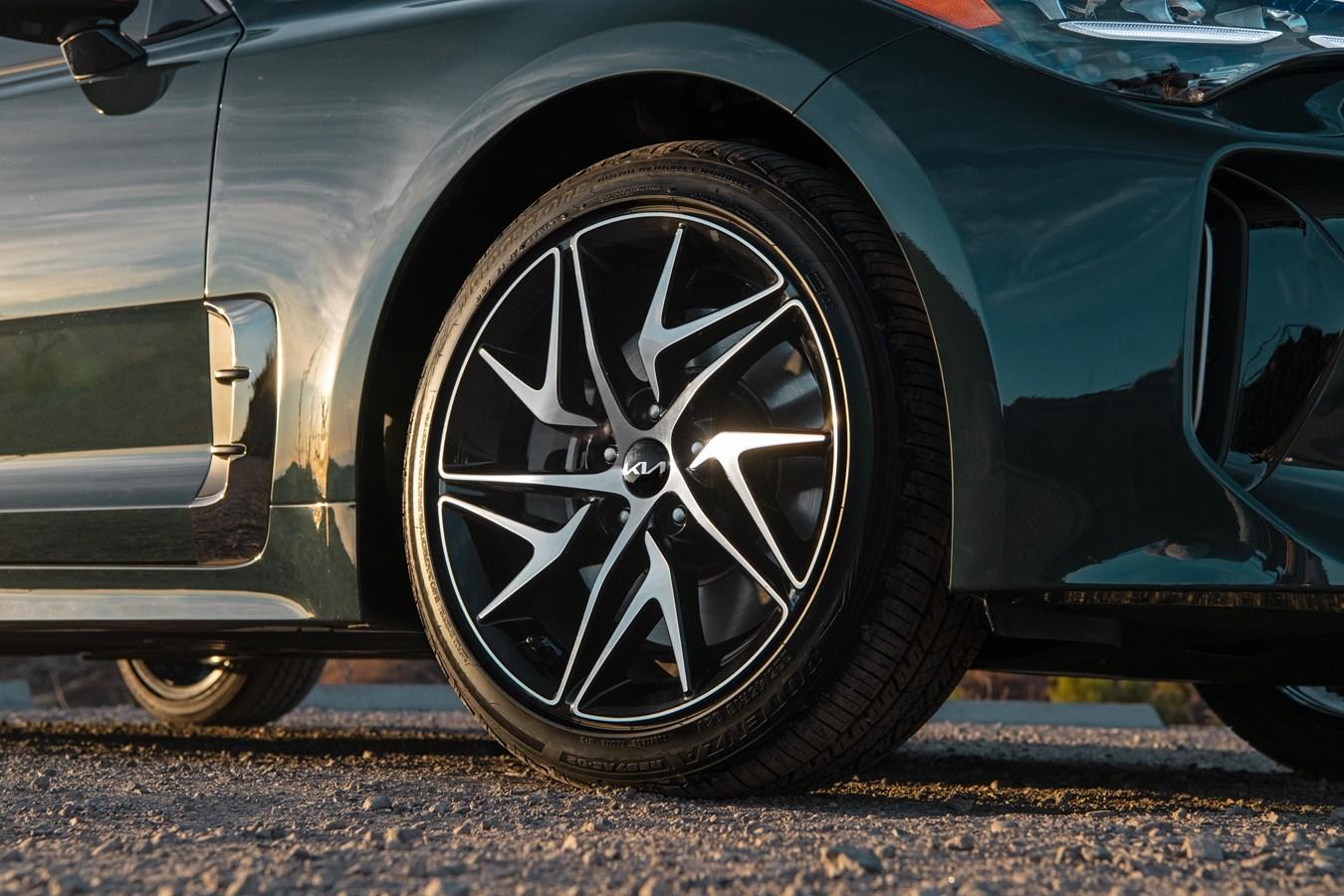 2022 Stinger GT-Line wheel