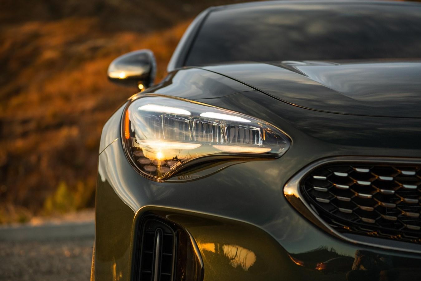 2022 Stinger GT-Line headlight