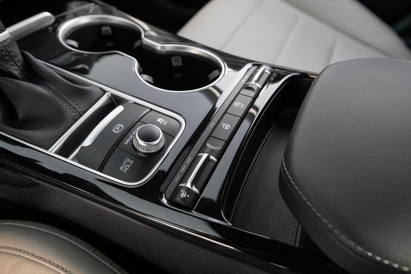 2022 Stinger GT-Line interior center console