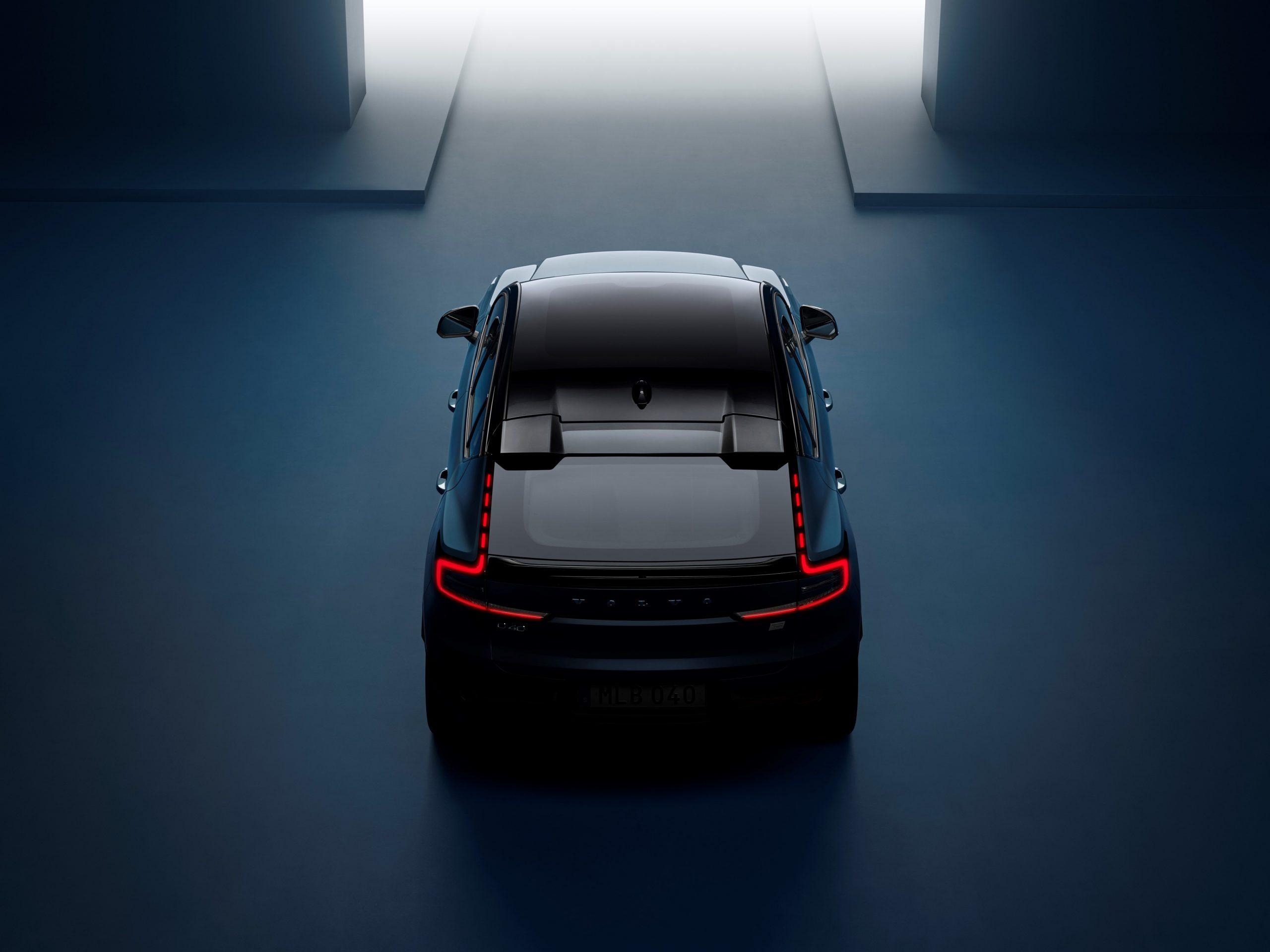 Volvo C40 Recharge Studio overhead rear taillights