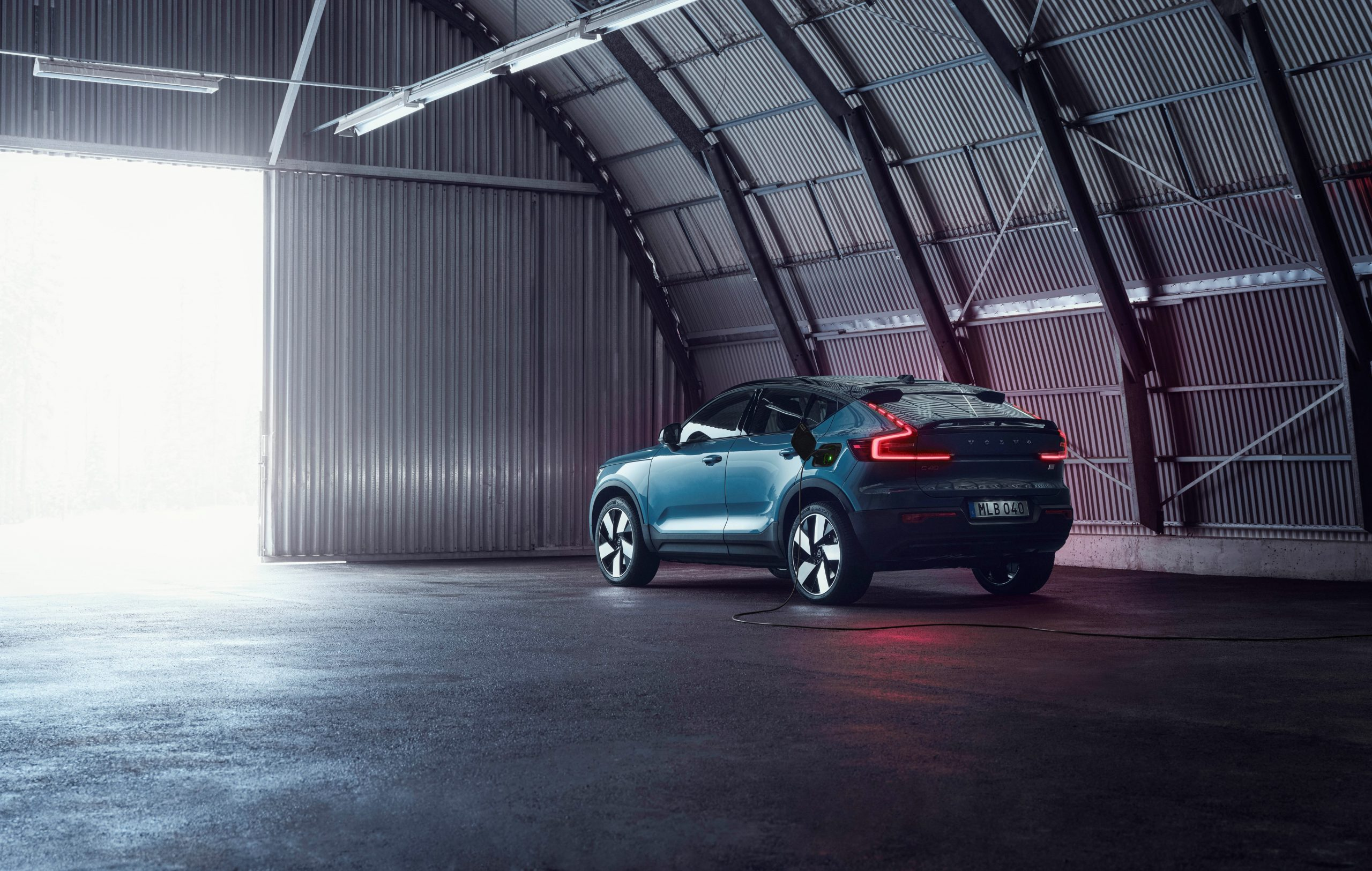 Volvo C40 Recharge charging rear