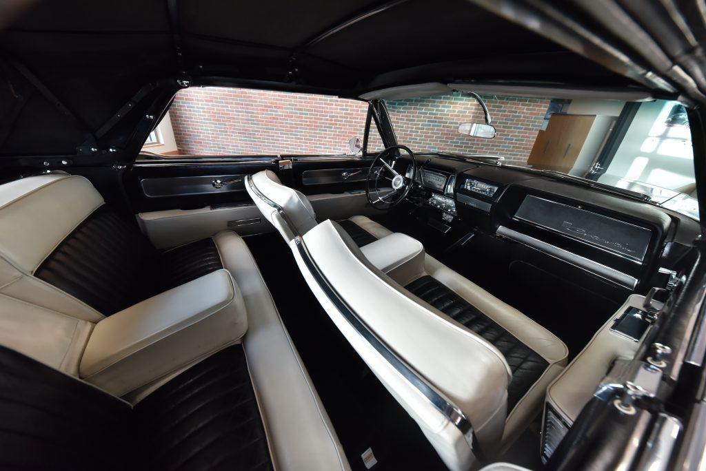 1961 Lincoln Continental Interior