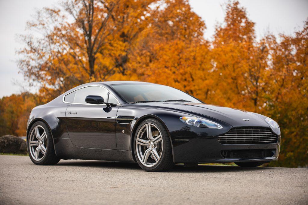 2007 Aston Martin Vantage V8 front three-quarter