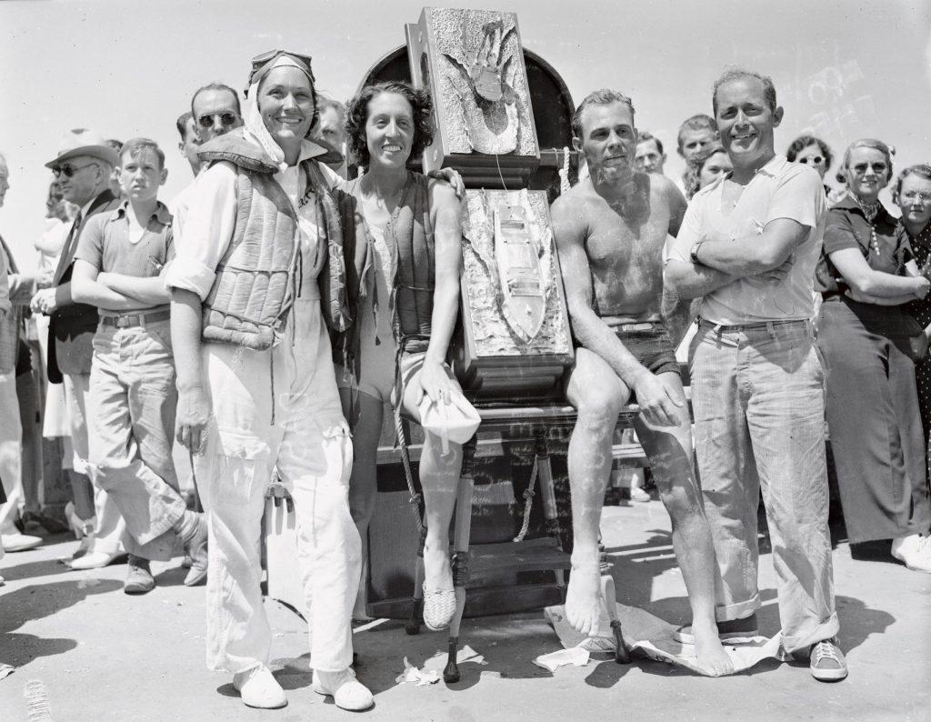 Aquaplane Dash Winners Posing Together