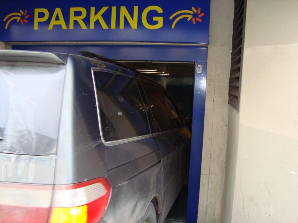 honda odyssey parking deck clearance