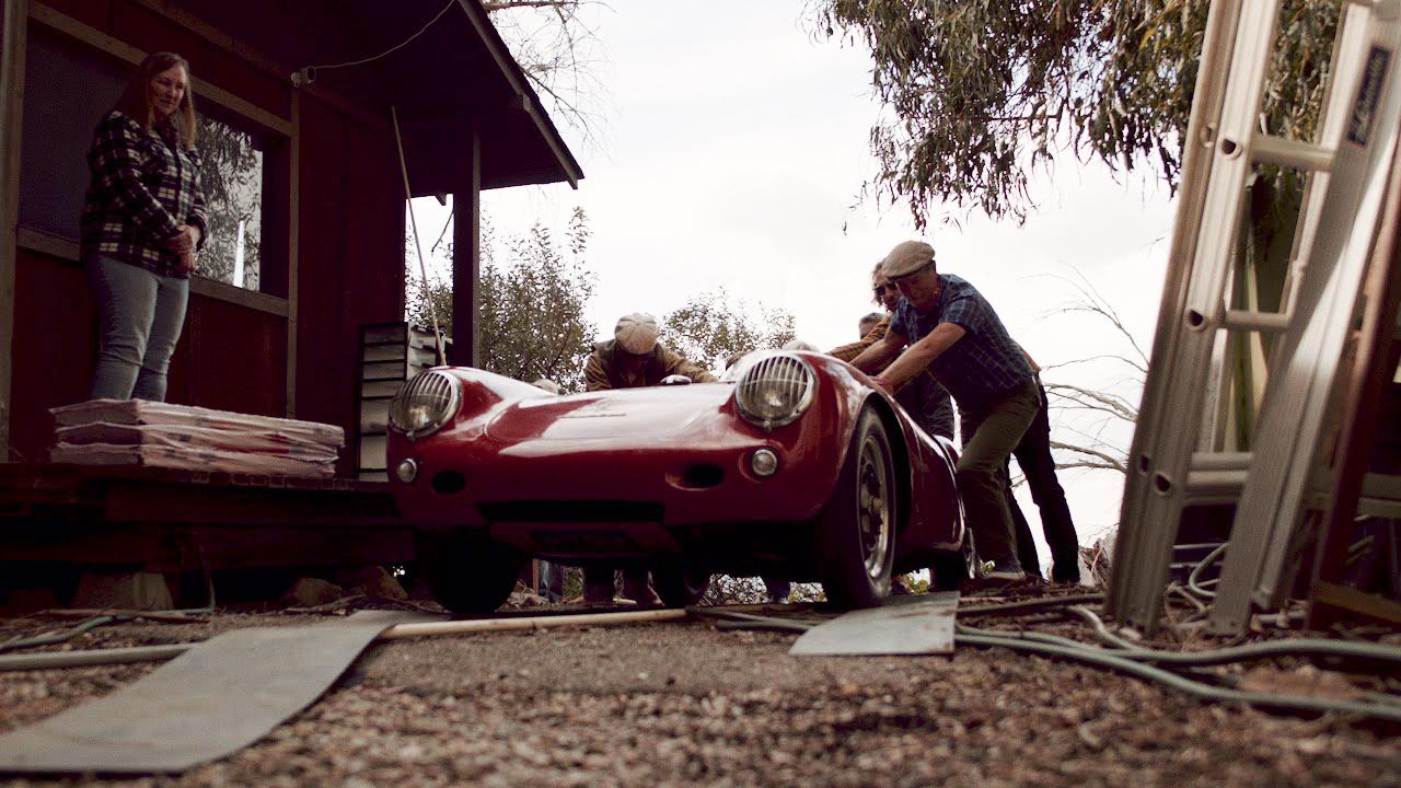 Blue-Nelson-Film-Porsche-Container-Find