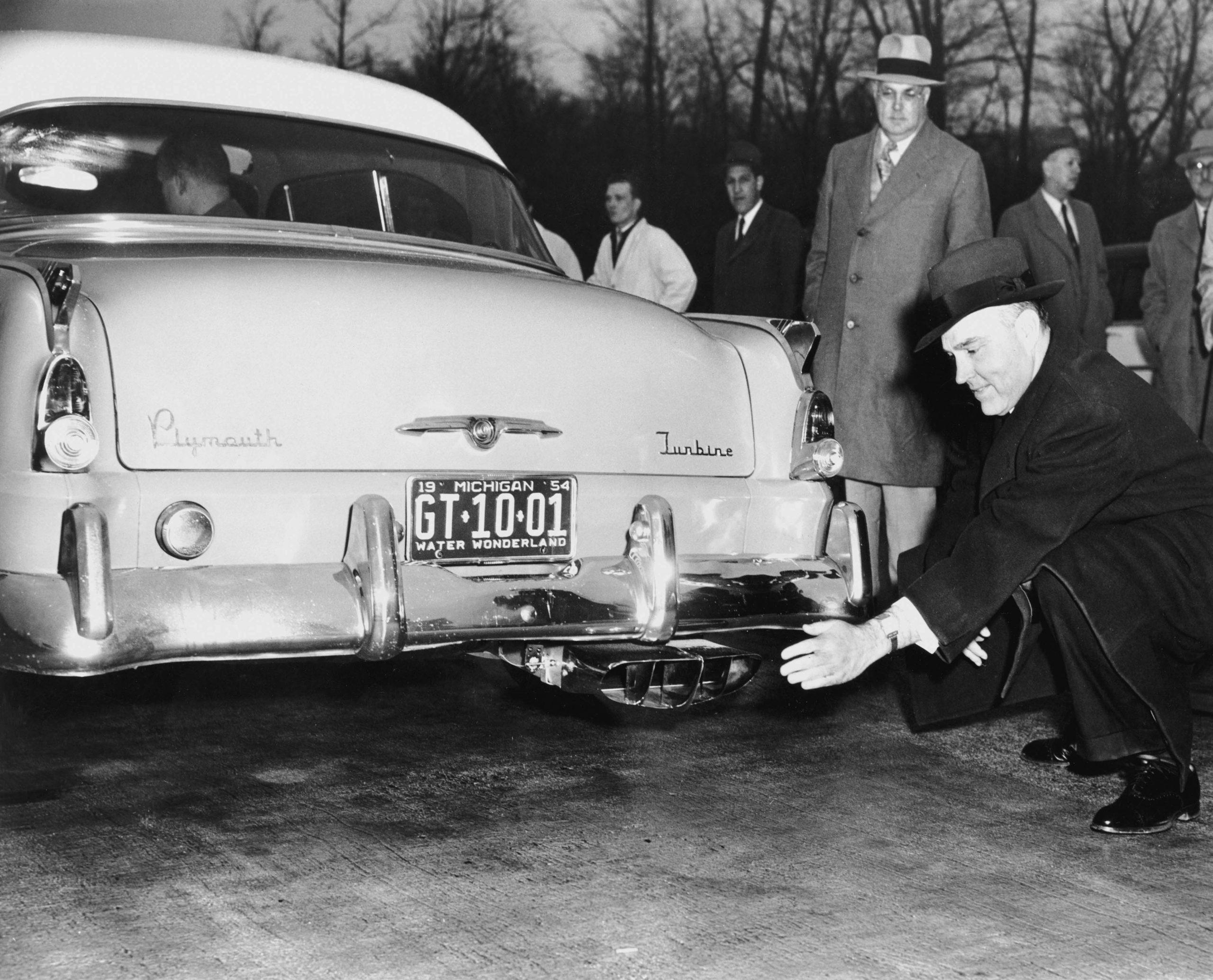 Chrysler Turbine history - 1954 Plymouth Turbine rear