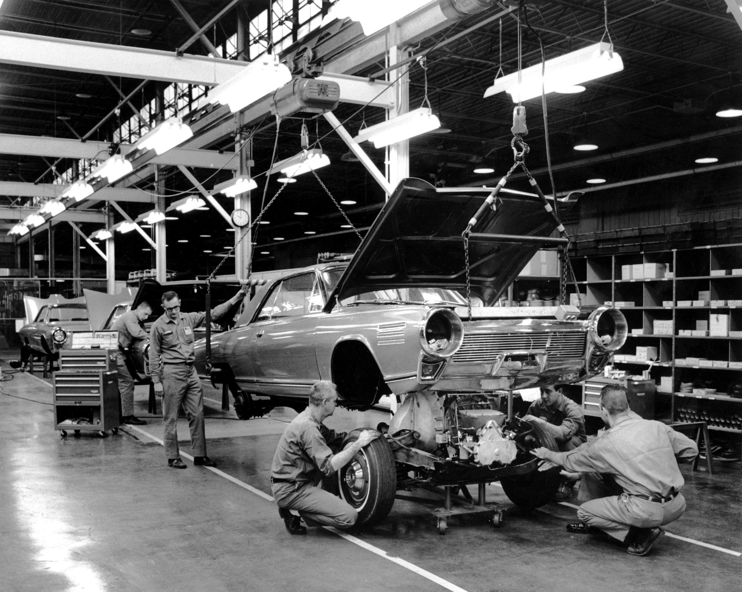 Chrysler Turbine history - 1963 Chrysler Turbine assembly line