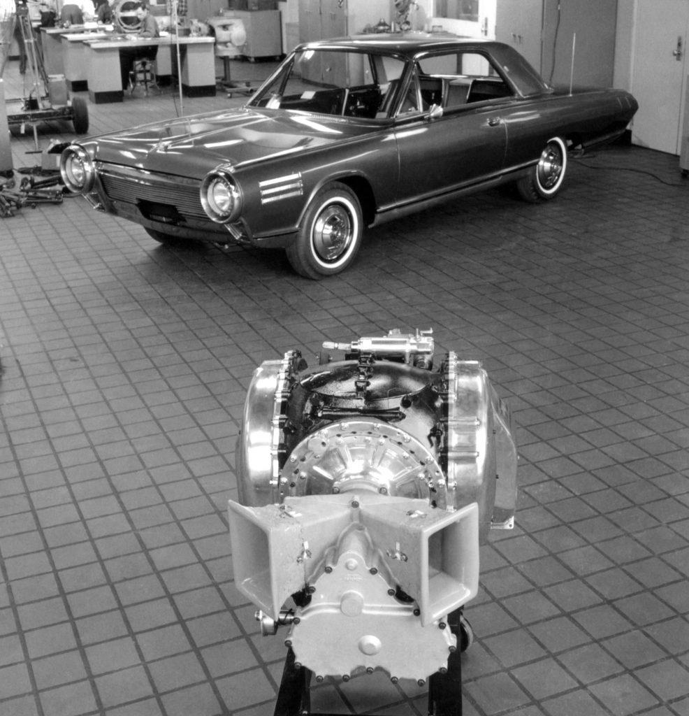 Chrysler Turbine history - 1963 Chrysler Turbine on display with engine