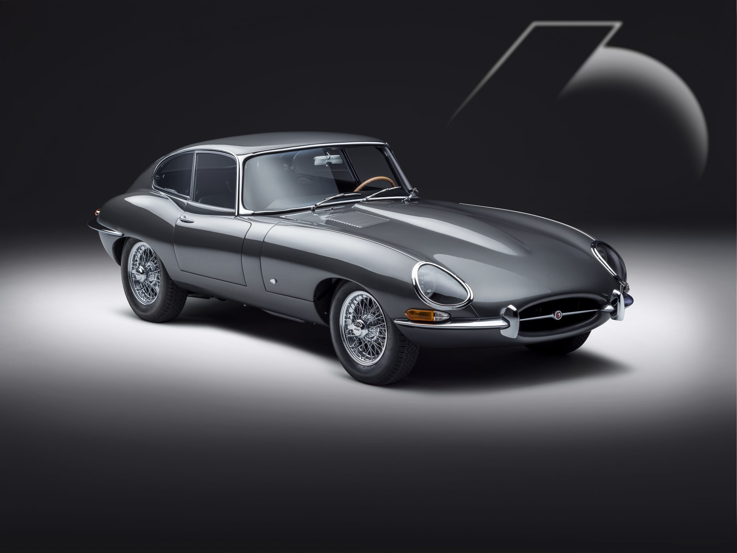 E-type 60 Edition Coupe_front3q
