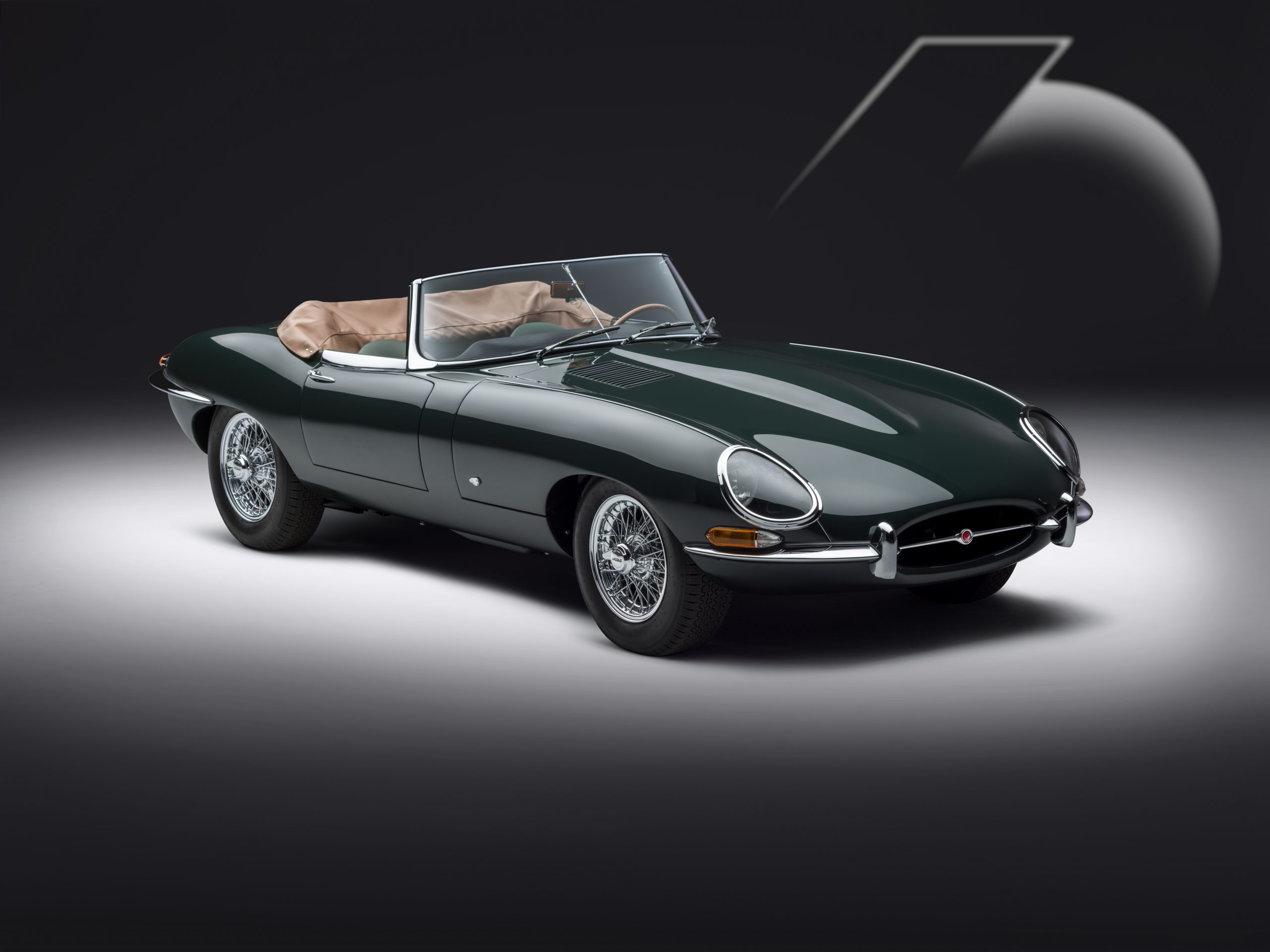 E-type 60 Edition Roadster_front3q