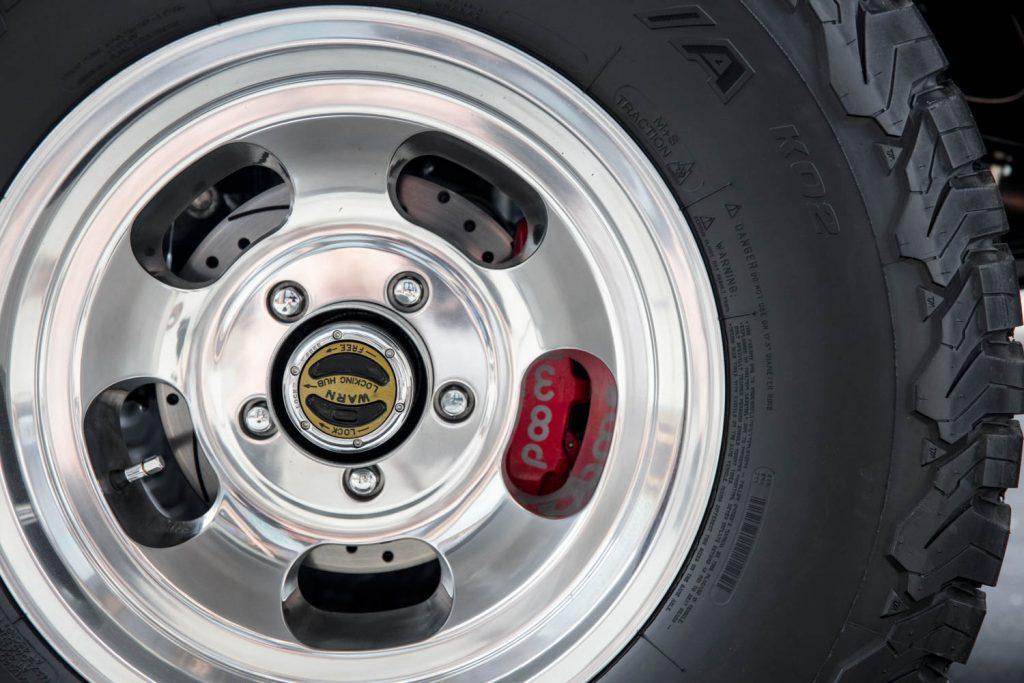 Gateway_Restomod_Bronco wheel tire hub brakes