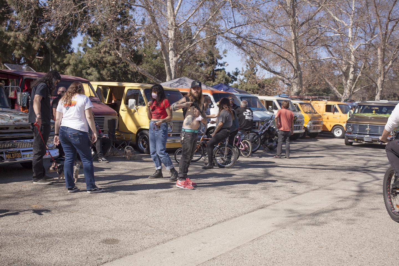 national boogie van day van crowds