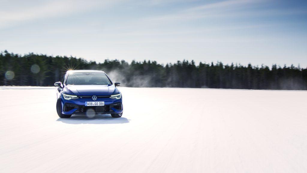 2022 Volkswagen Golf R slide action