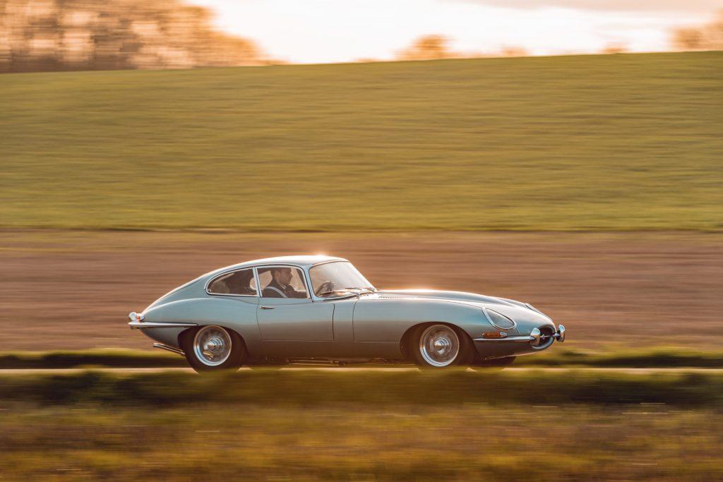 Jaguar E-Type Reborn 1965 Series 1 4.2 driving profile light