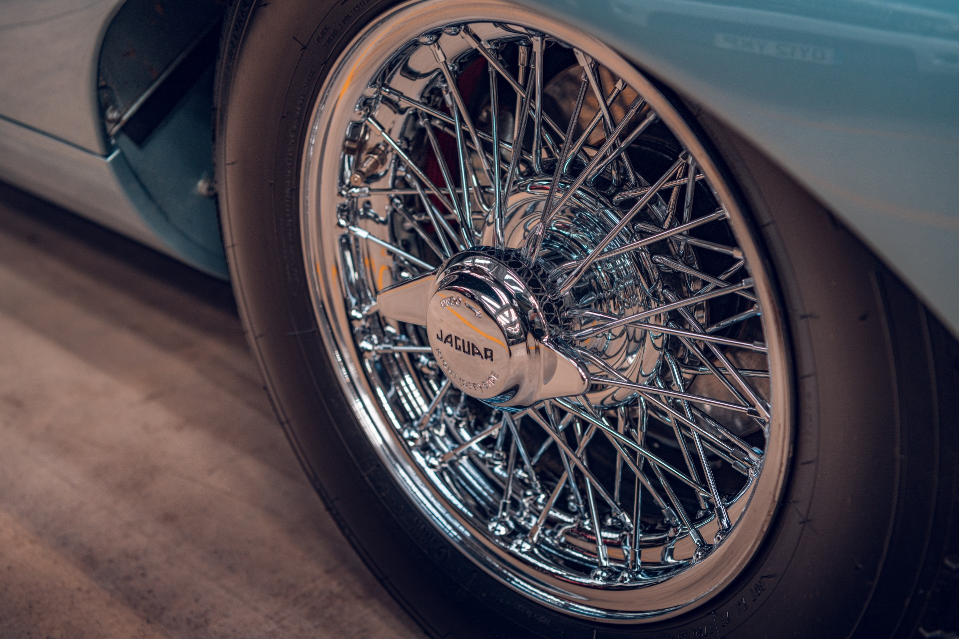 Jaguar E-Type Reborn 1965 Series 1 4.2 wheel detail wire spoke