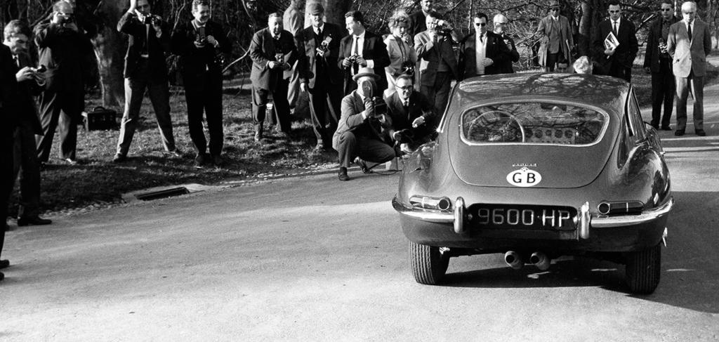Jaguar 1961 E-TYPE Geneva Norman Dewis