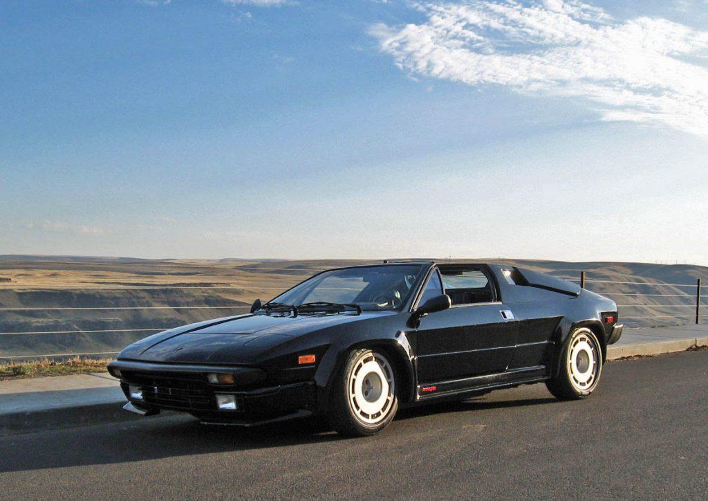 1986 Lamborghini Jalpa front three-quarter