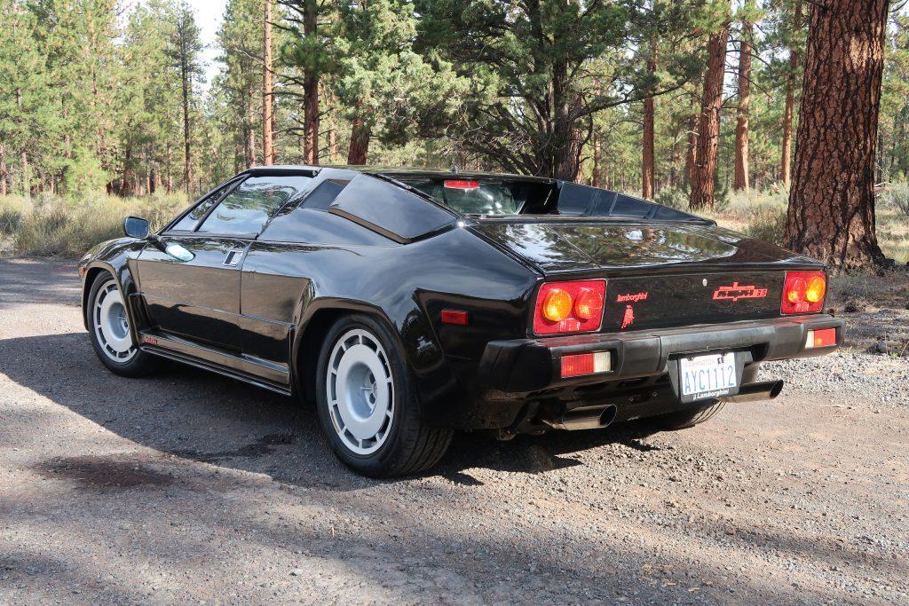 1986 Lamborghini Jalpa rear three-quarter