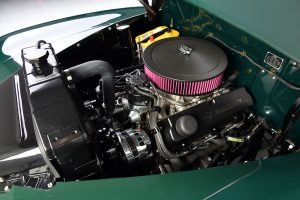 1947 FORD SUPER DELUXE CUSTOM engine bay