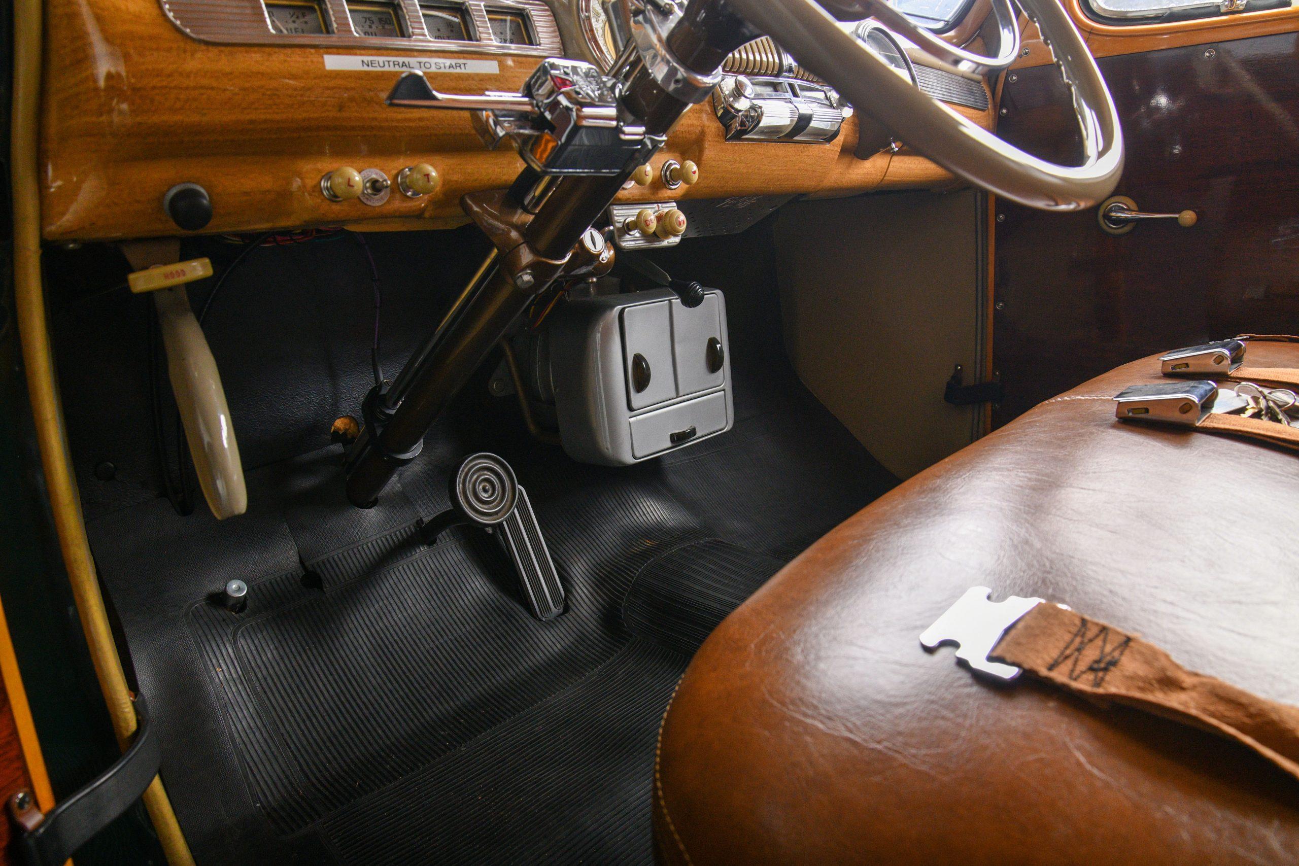 1947 FORD SUPER DELUXE CUSTOM interior front floor under dash