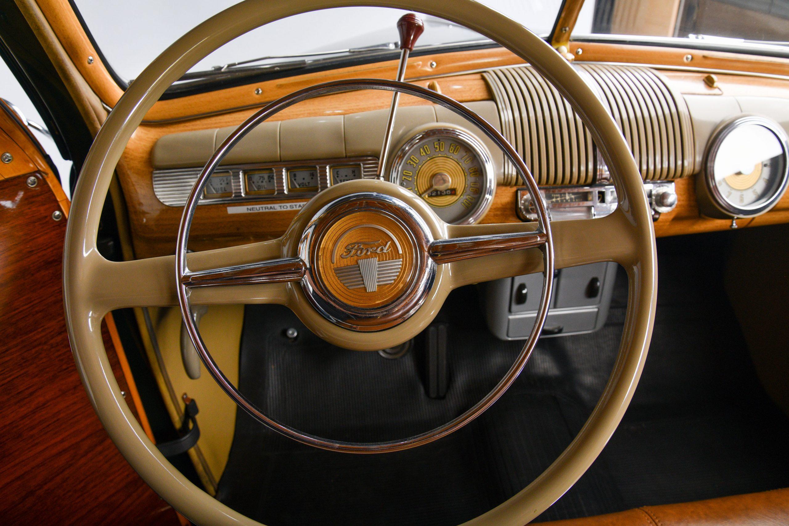 1947 FORD SUPER DELUXE CUSTOM interior steering wheel