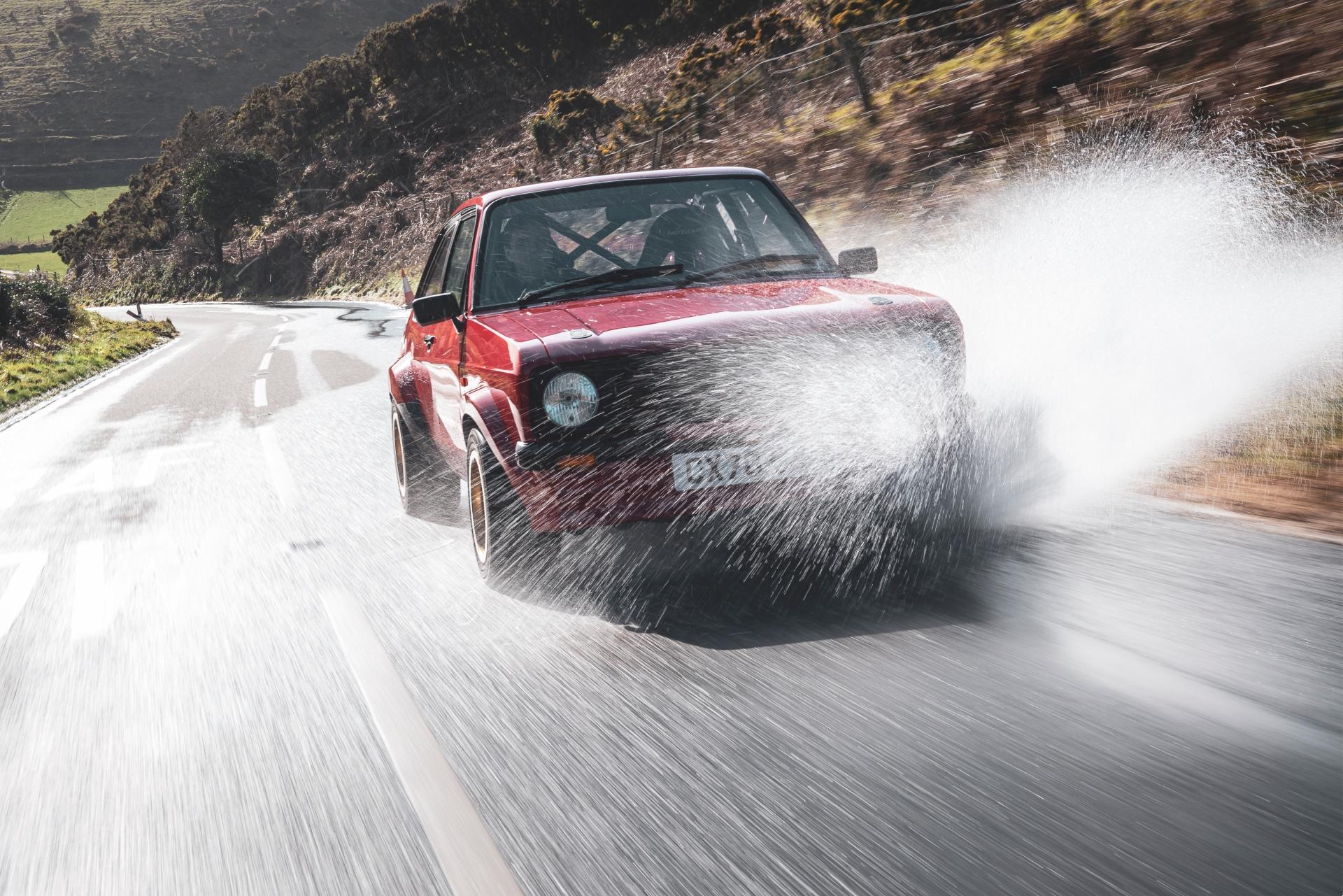 MST Mk2 front splash driving action