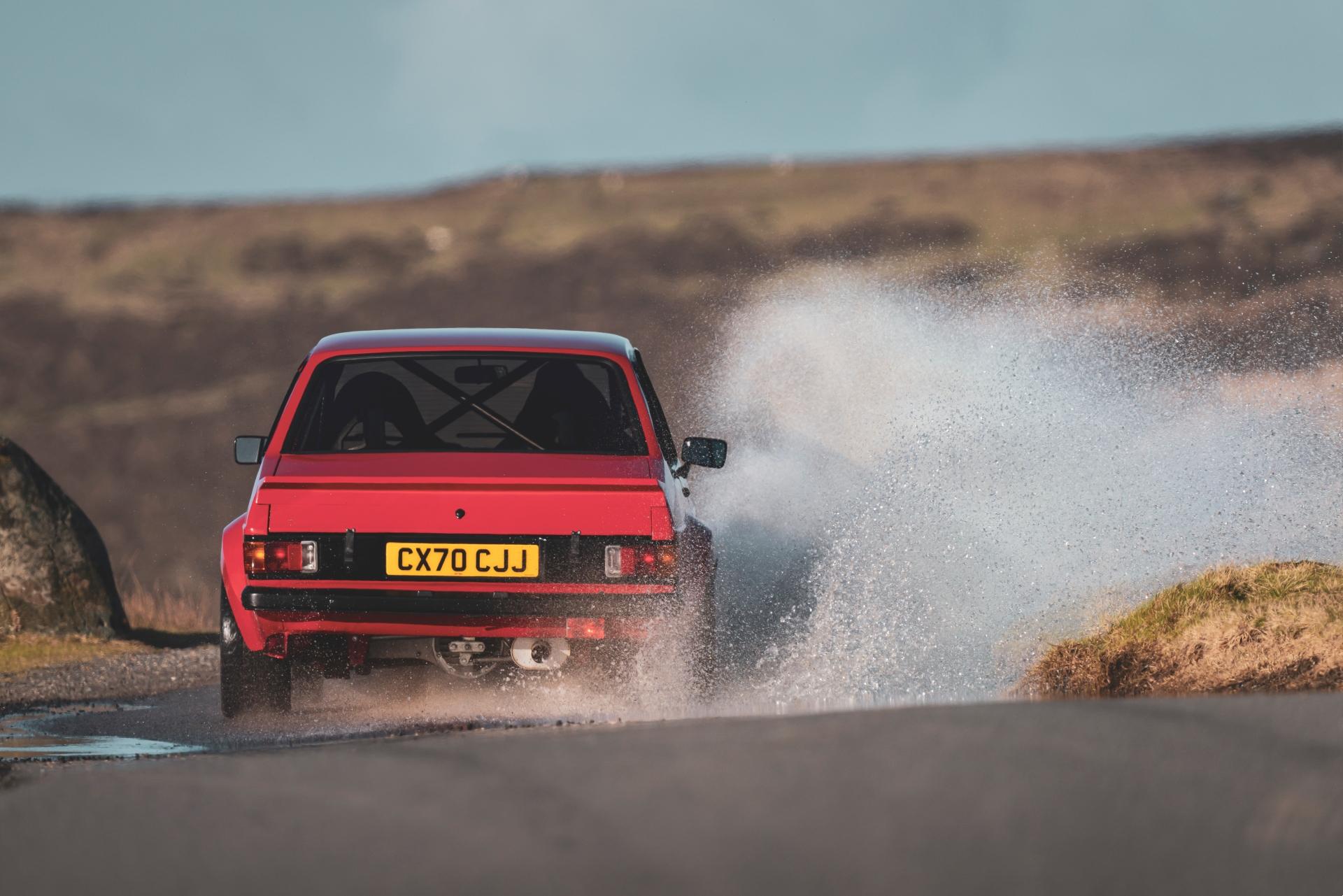 MST Mk2 rear splash driving action