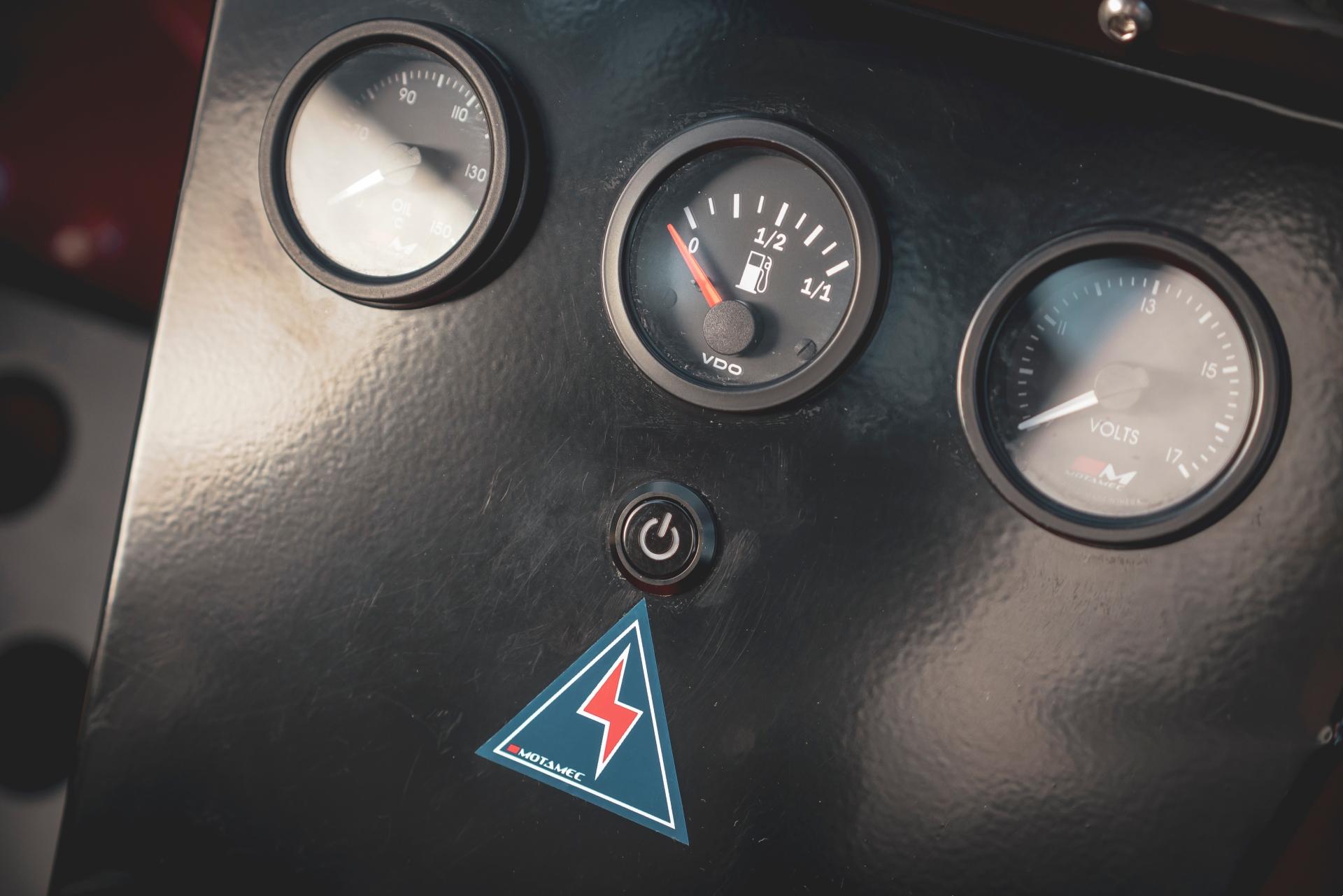 MST Mk2 gauges and power detail