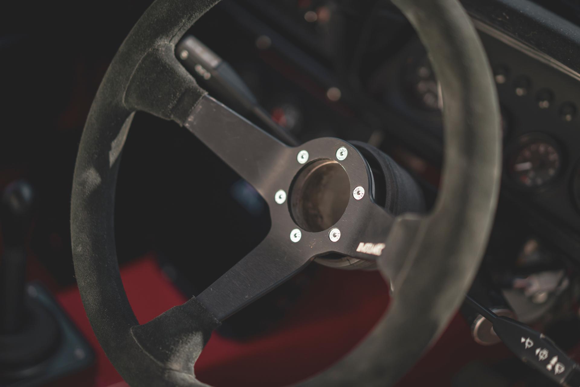 MST Mk2 steering wheel detail