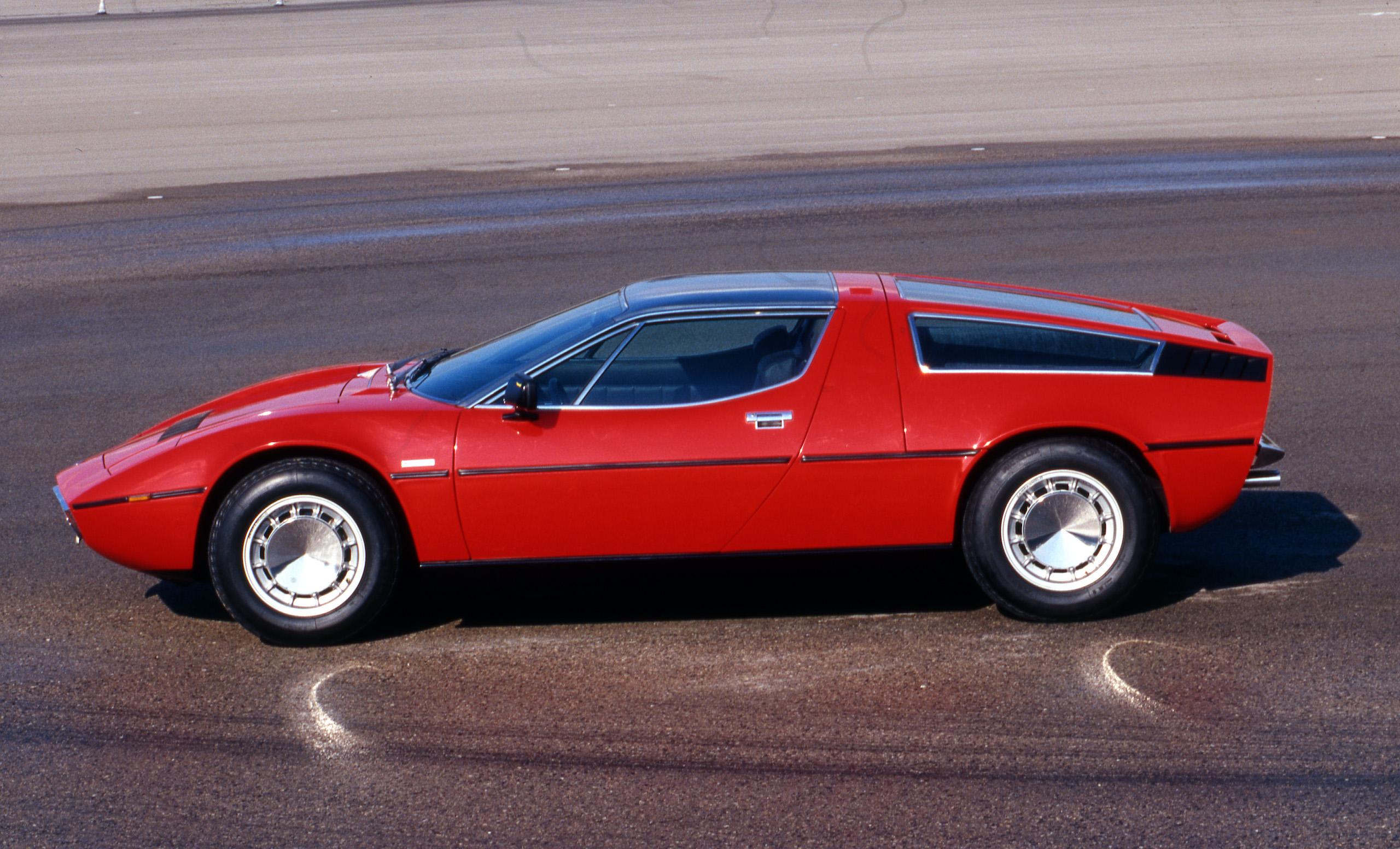 Maserati Bora side profile