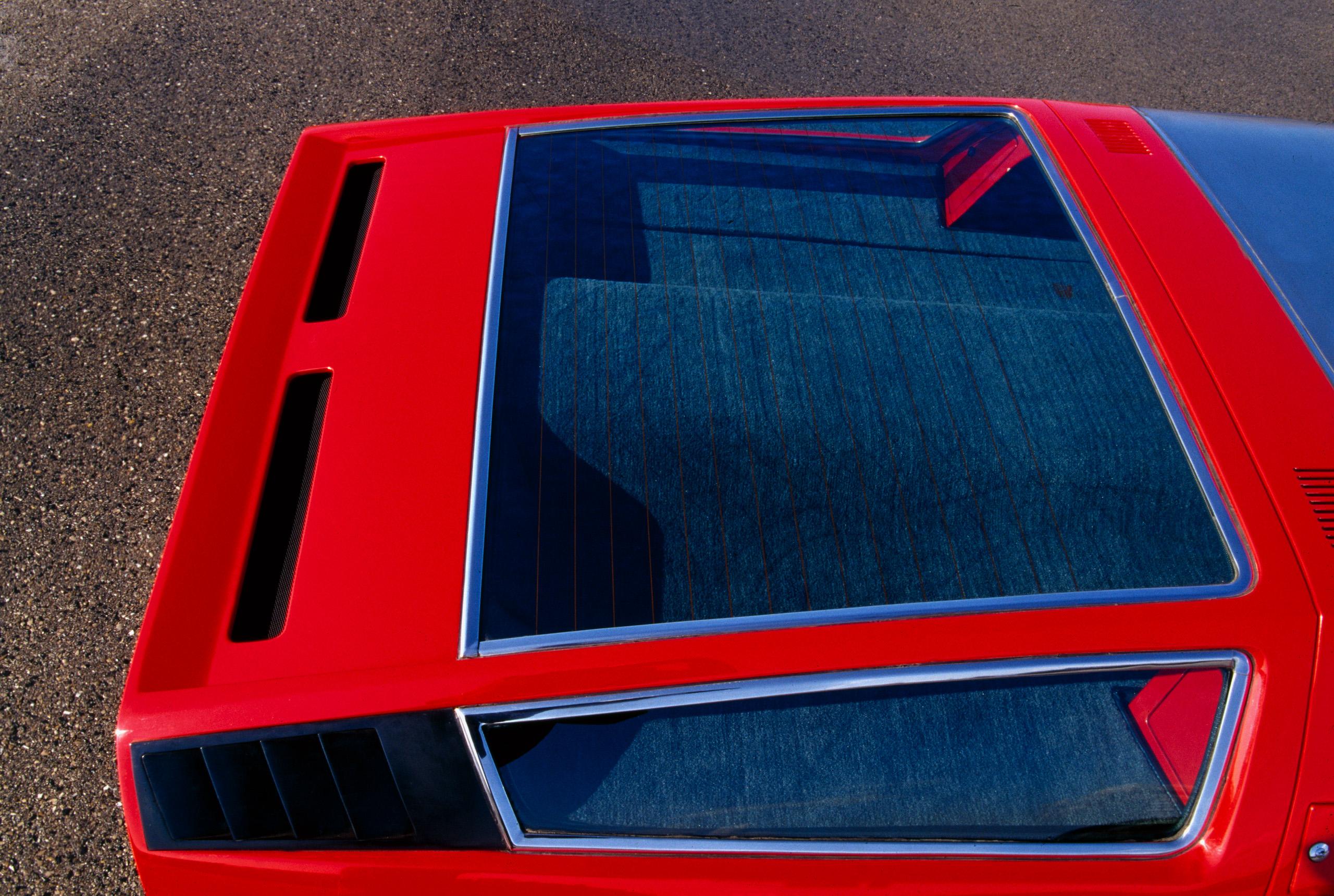 Maserati Bora rear window glass