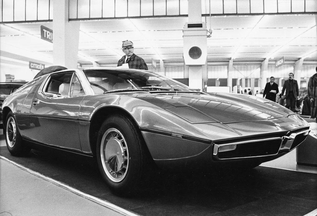 Maserati Bora front three-quarter historical black and white