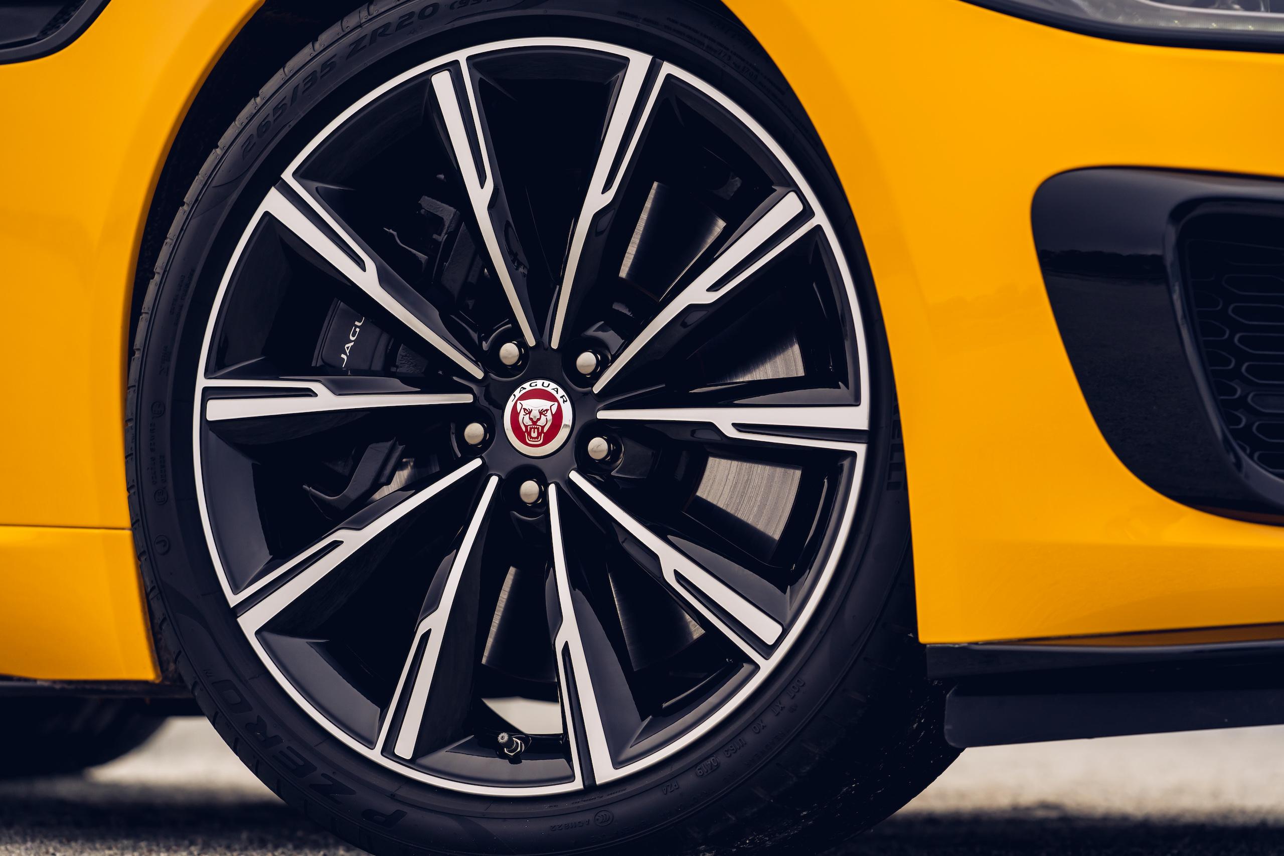 2021 Jaguar F-TYPE_R Coupe wheel detail