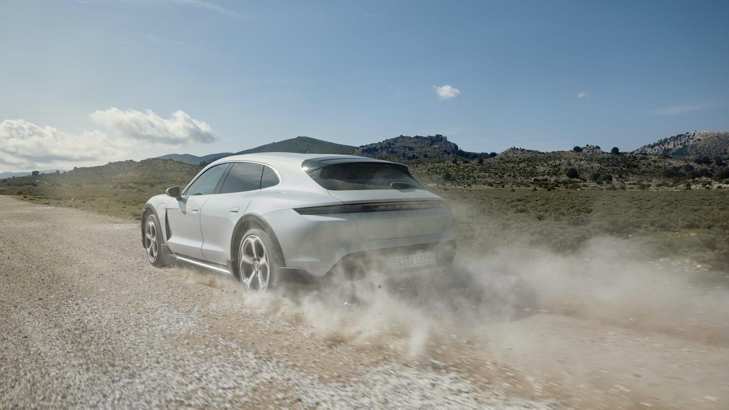 2021 Porsche Taycan Cross Tursimo
