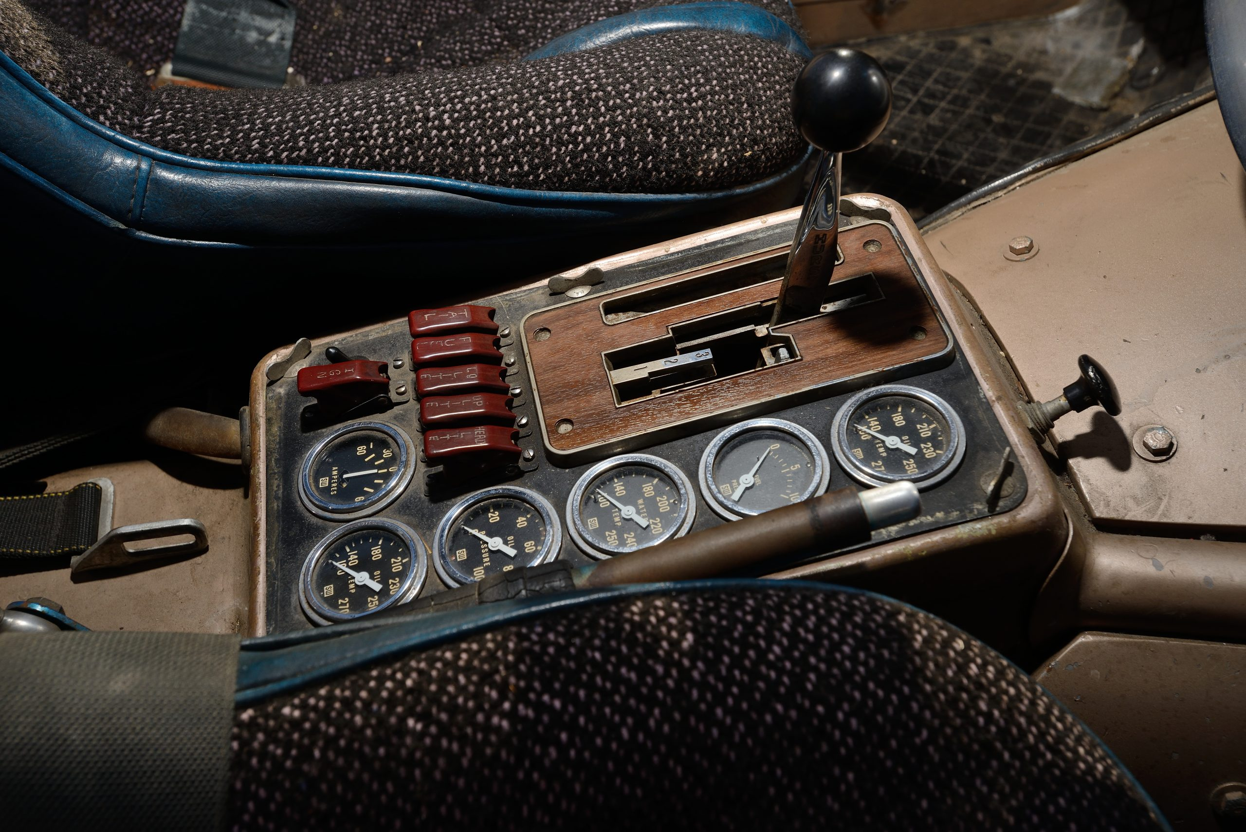 Big Oly Bronco interior console