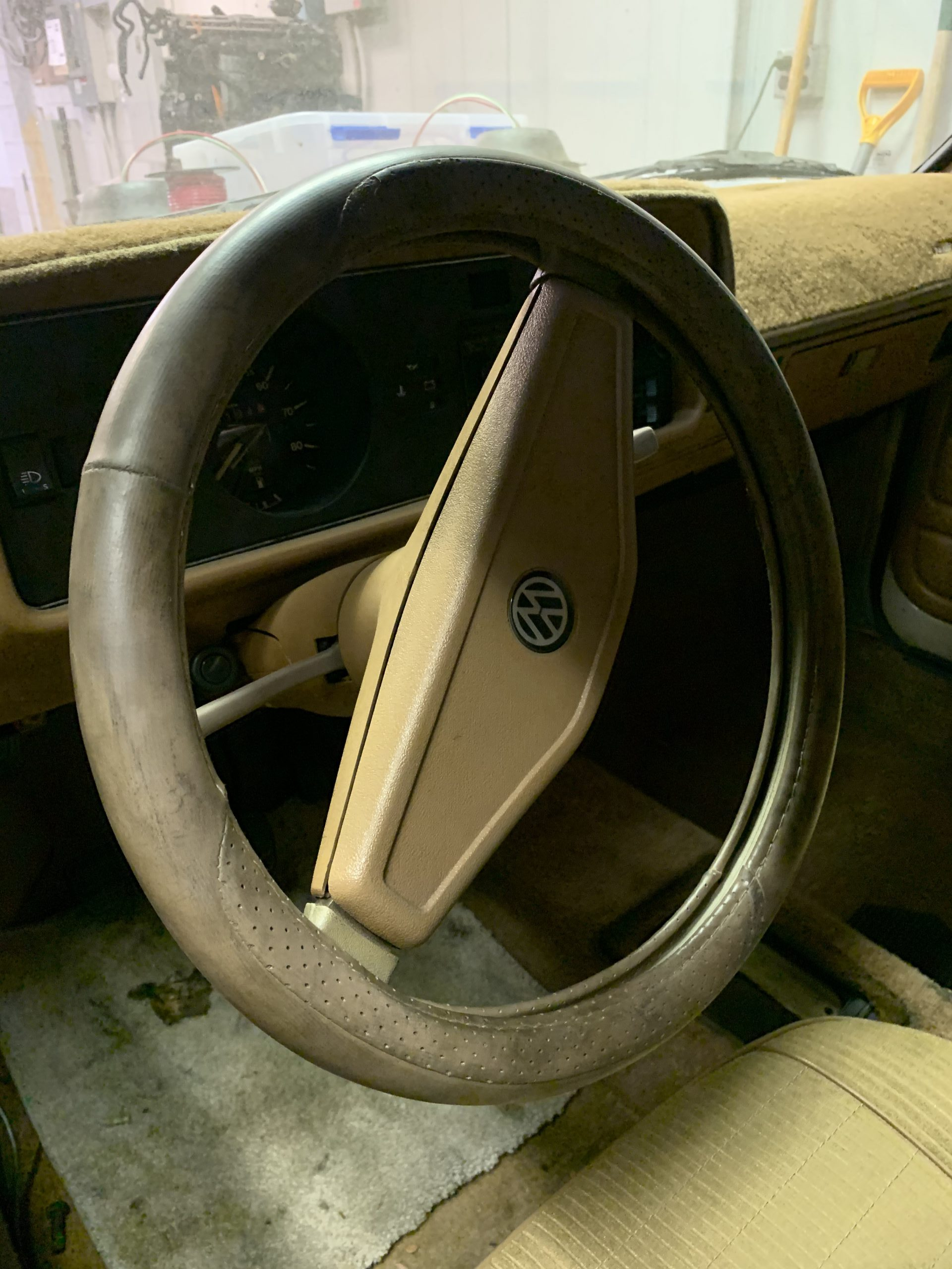 1980 VW Rabbit TDI swap steering wheel before Aug 15, 3 42 19 PM