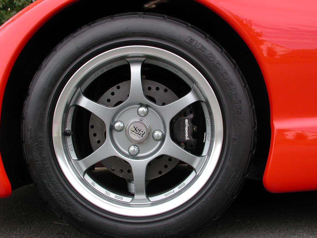 Piontek car wheel detail