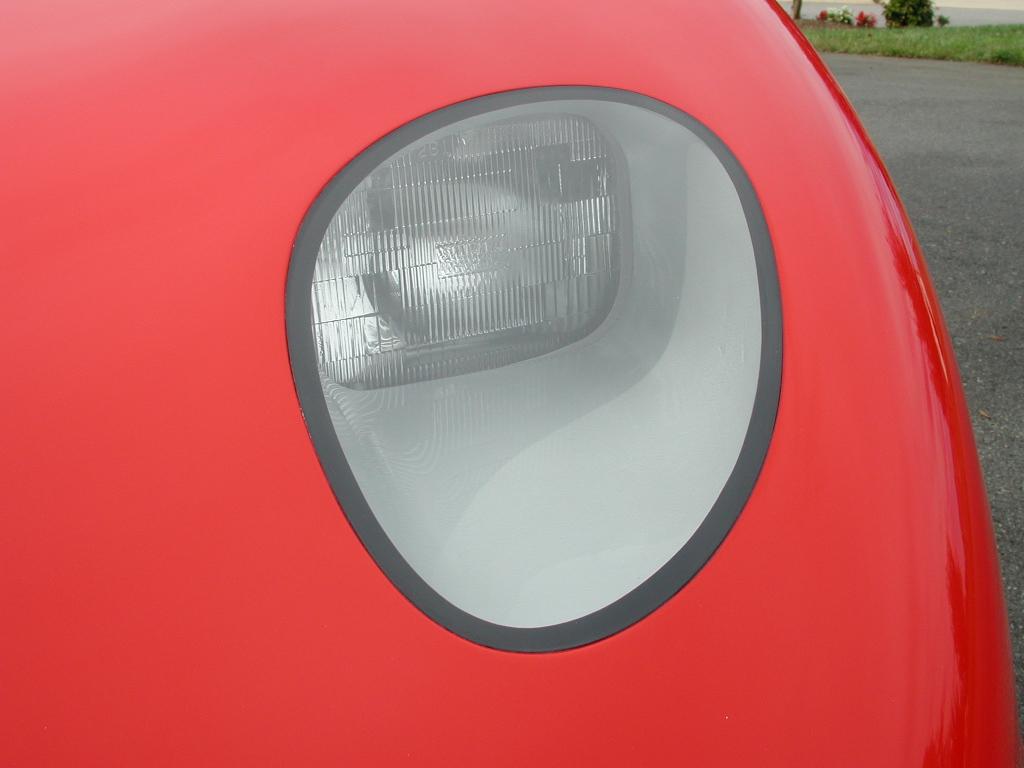Piontek car headlight detail