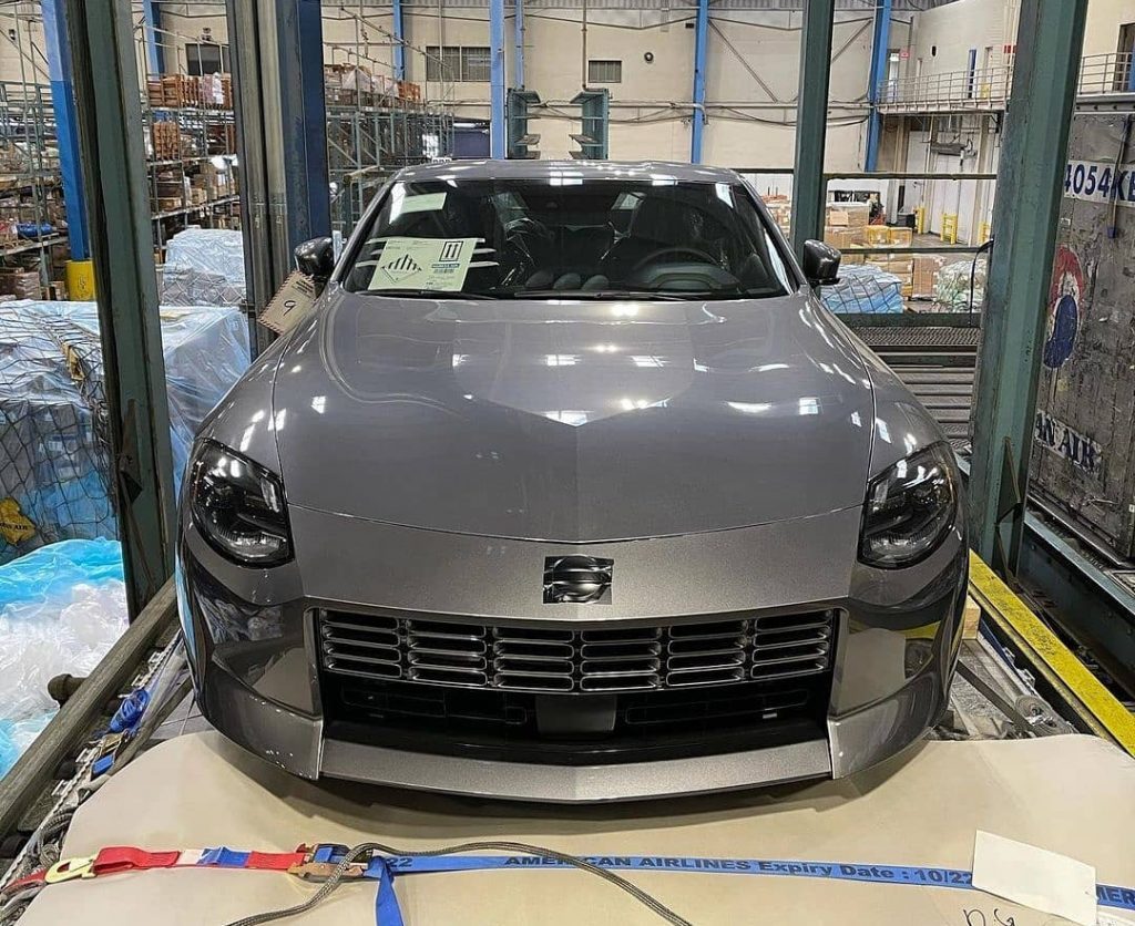 Production version of Nissan 400Z front