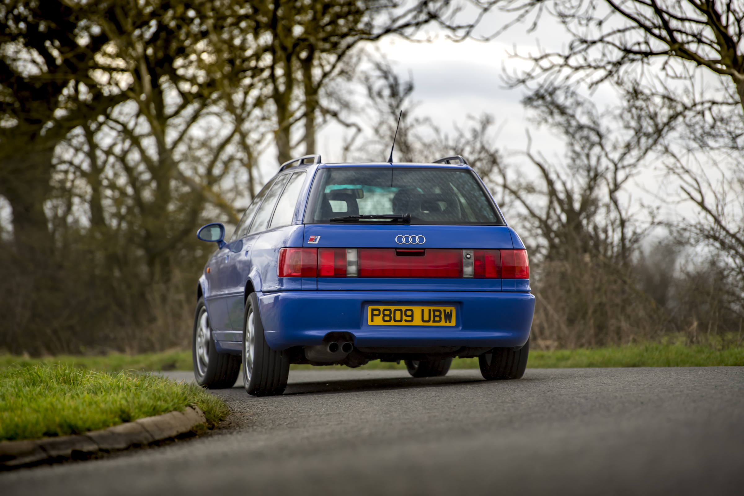 Audi RS2 rear driving action