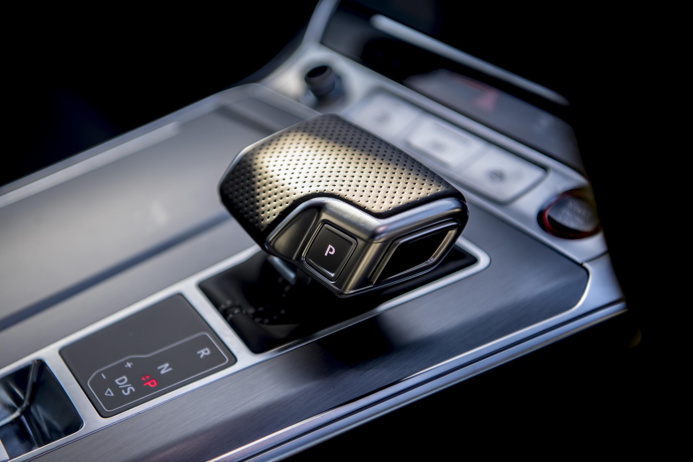 Audi RS6 interior shifter knob detail