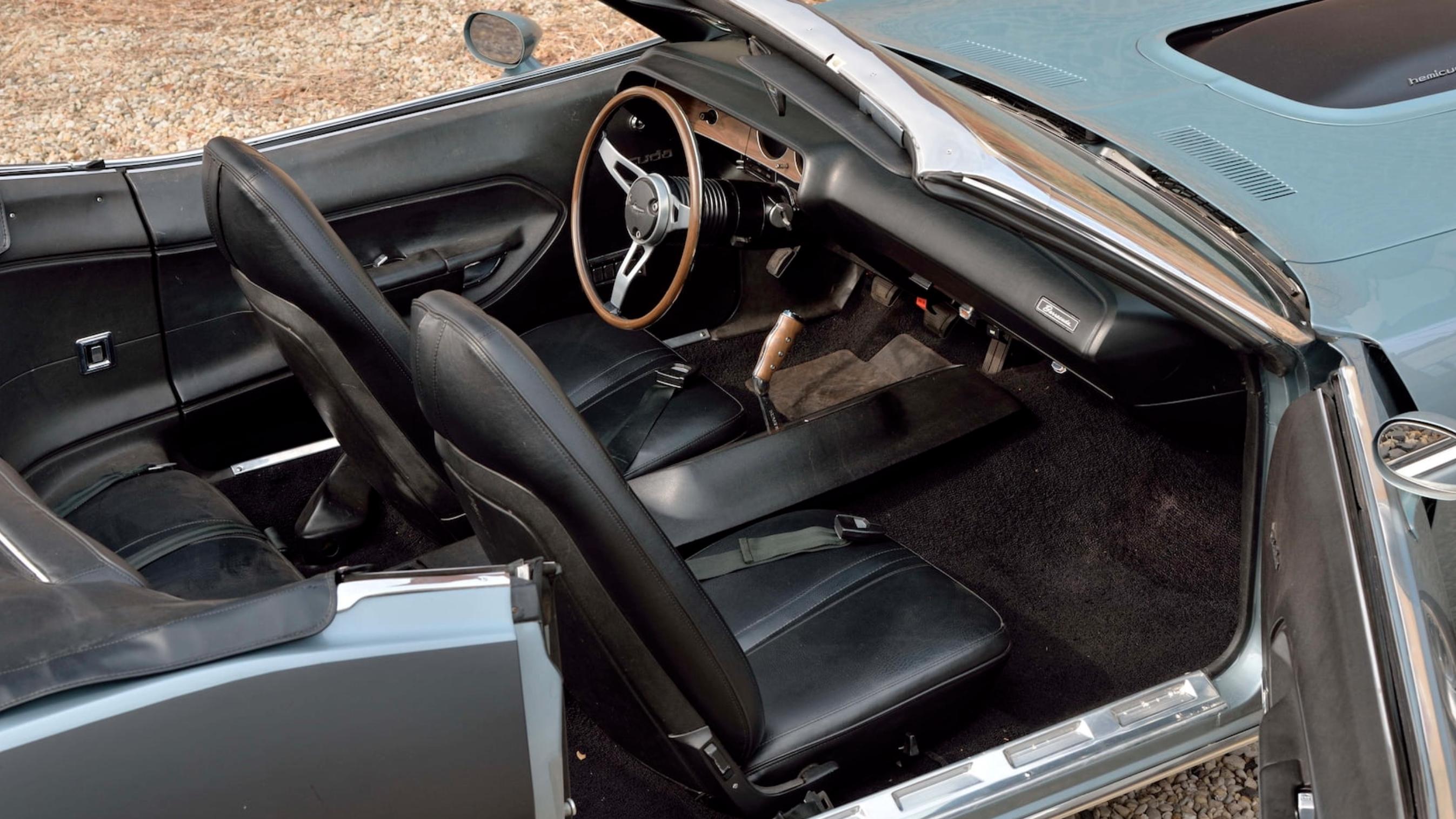 1971 Plymouth Hemi Cuda Convertible export interior