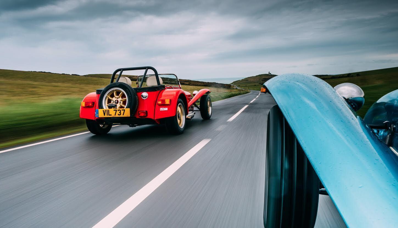 Super Seven 1600 rear three-quarter dynamic action